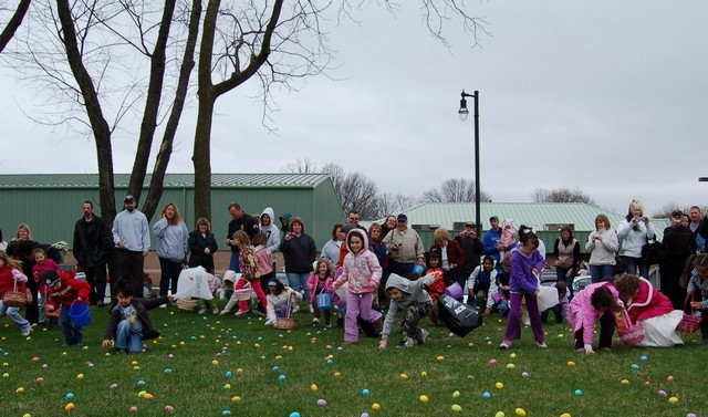 2010-Easter Egg Hunt 017