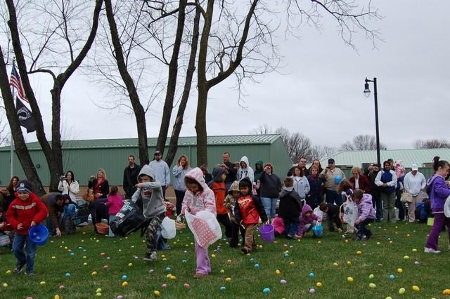 2010-Easter Egg Hunt 018
