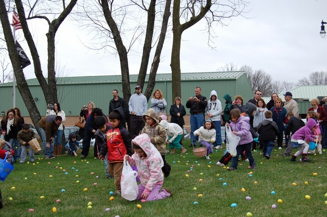 2010-Easter Egg Hunt 019