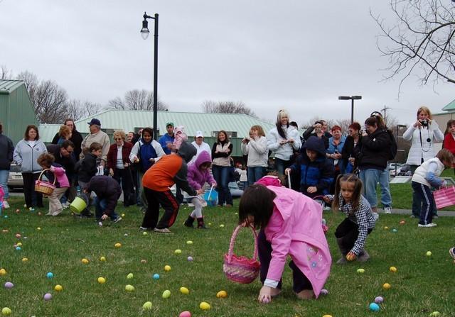 2010-Easter Egg Hunt 020