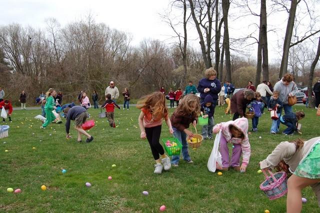 2010-Easter Egg Hunt 024