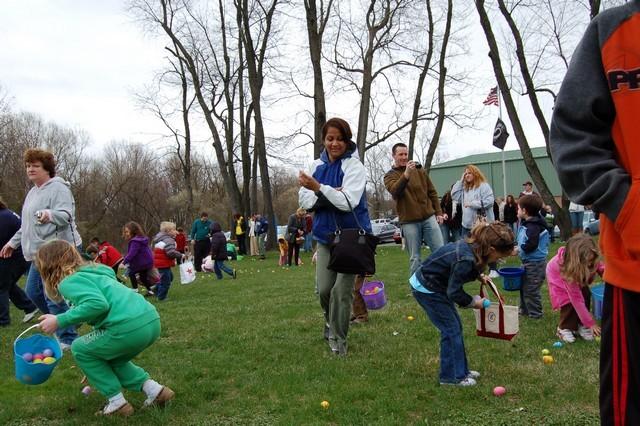 2010-Easter Egg Hunt 025