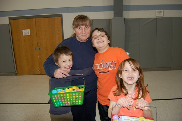 2010-Easter Egg Hunt 046