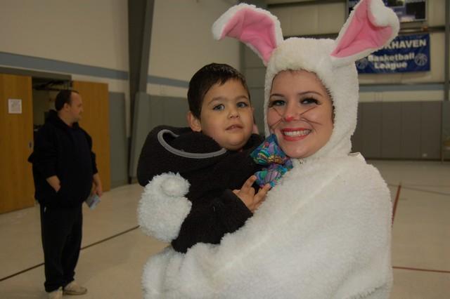 2010-Easter Egg Hunt 065