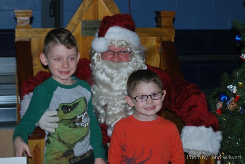 Pic with Santa 2018 (28)